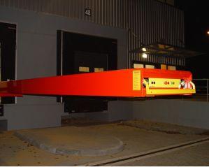 Телескопический конвейер для штучных грузов и коробок 5